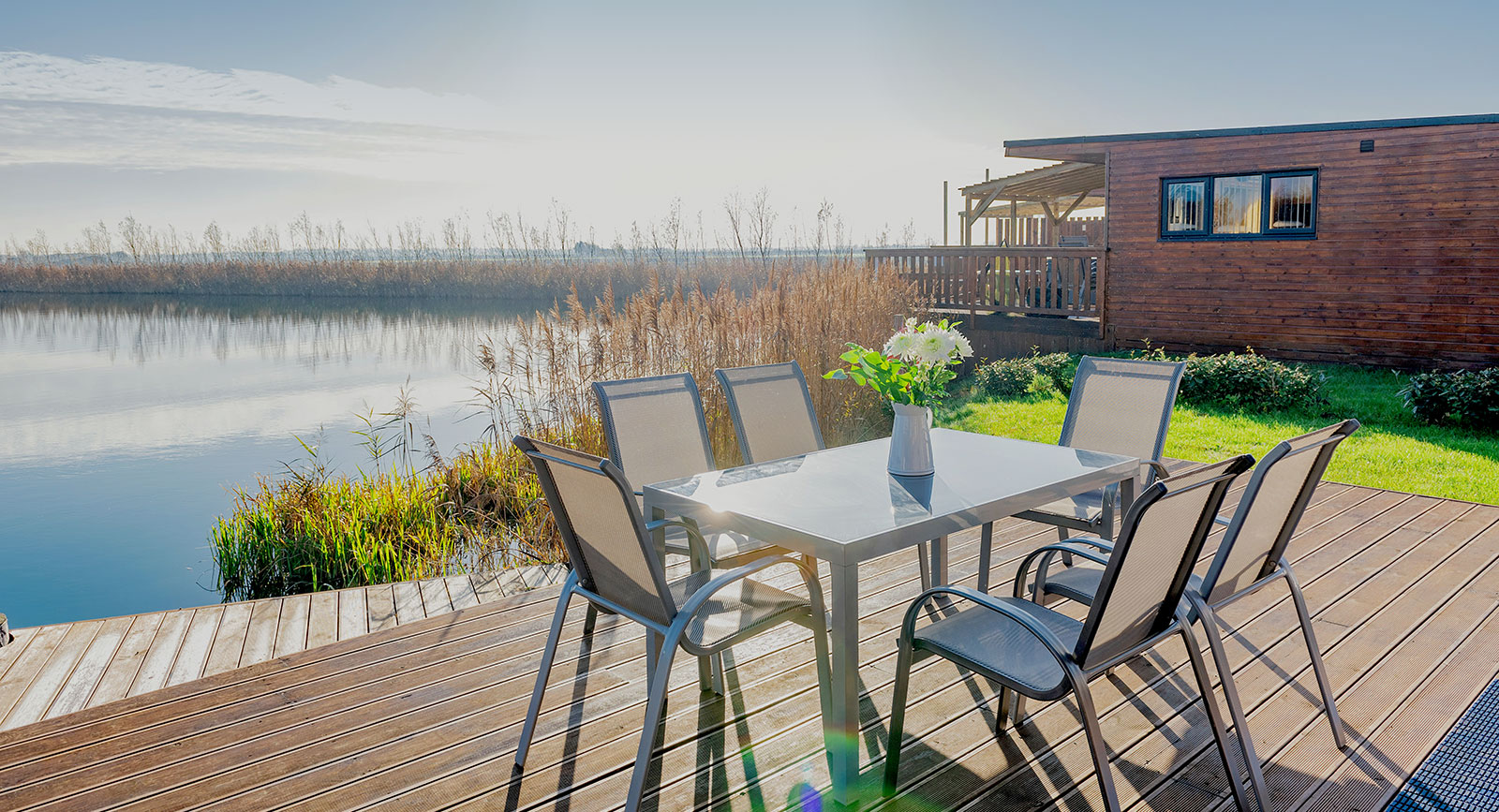 fishing lakes with accommodation